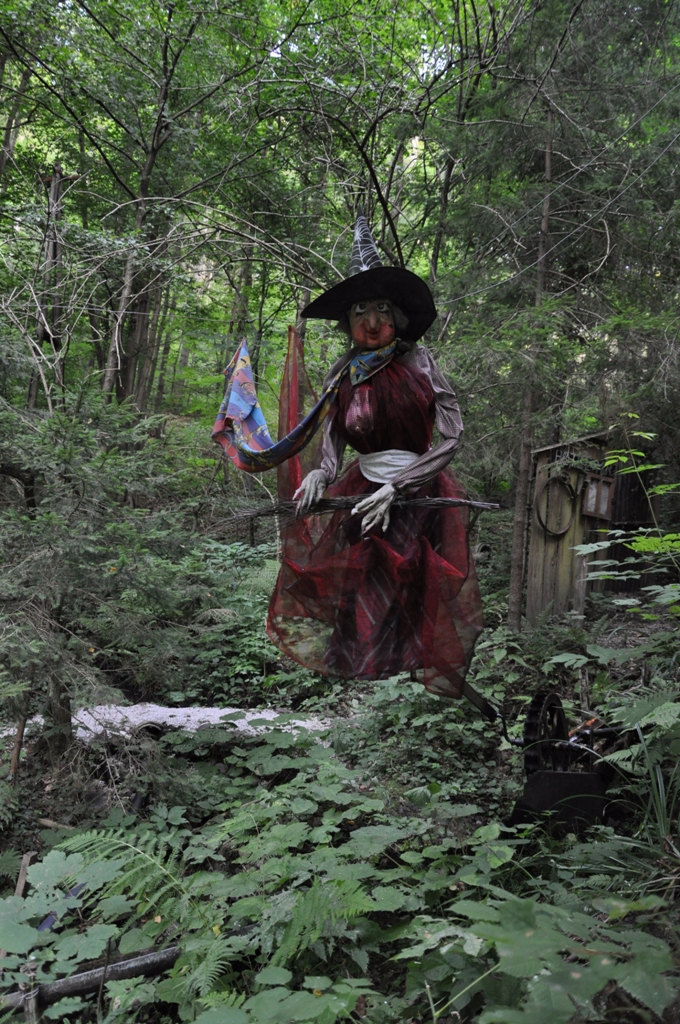 Najstarejša čarovnica Čira Čara